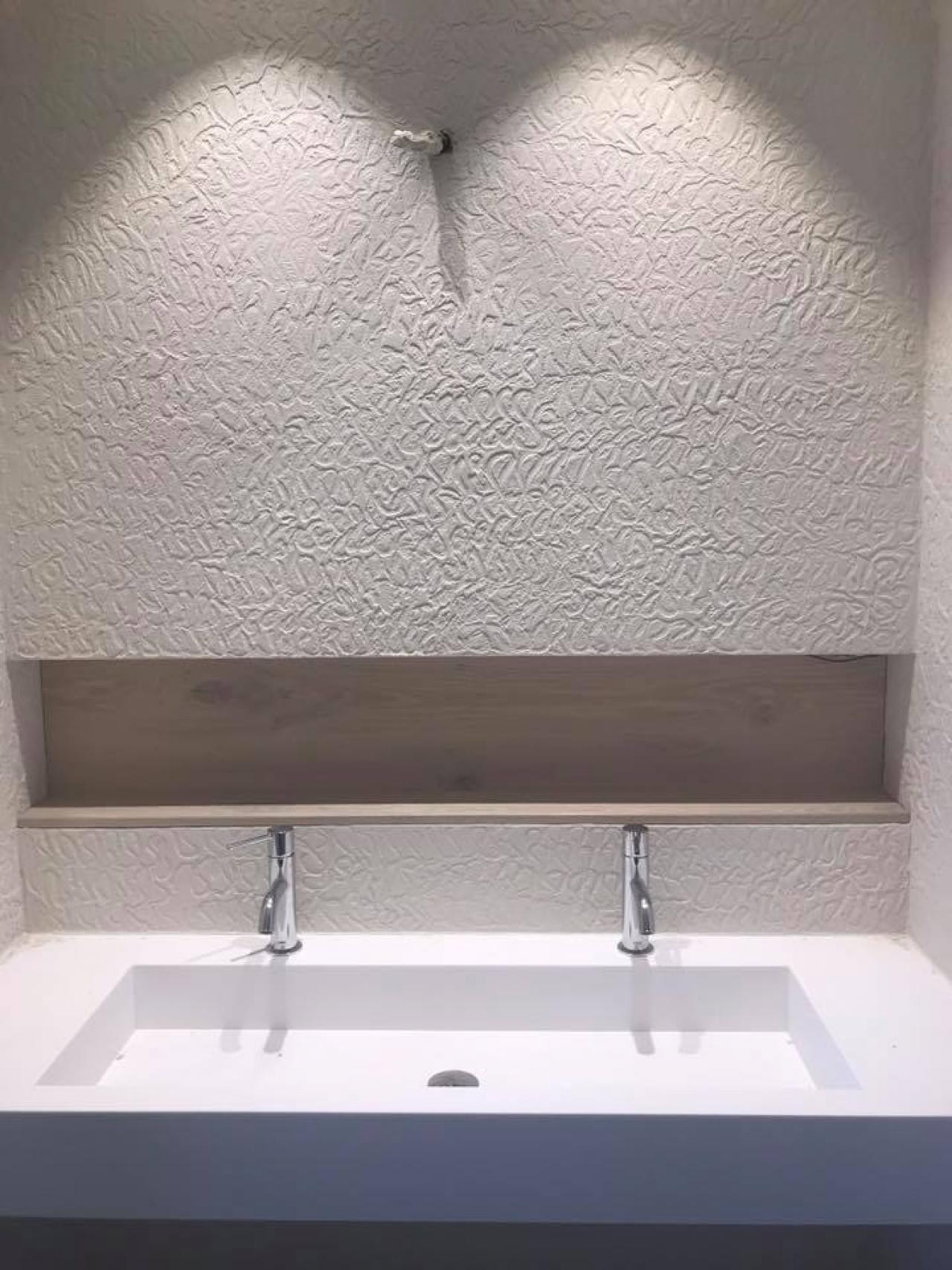Come Pulire Il Lavabo In Resina resina oltremateria per parete bagno | fratelli pellizzari