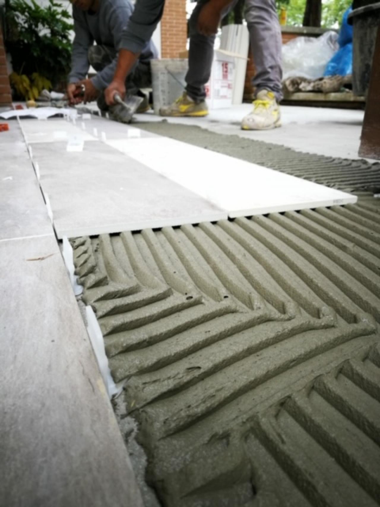 Battiscopa Staccato Dal Pavimento posa a colla o a sabbia e cemento? | fratelli pellizzari
