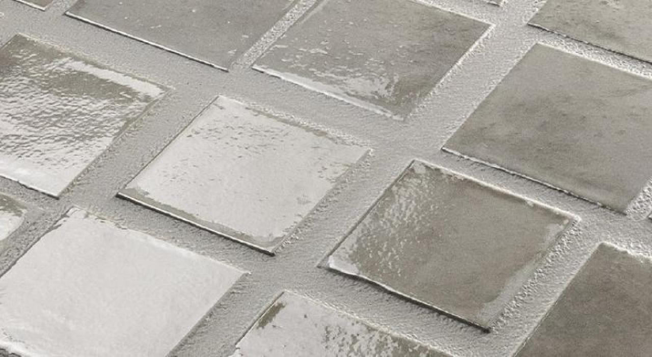 Piastrelle da rivestimento grigio lucido outlet vicenza for Piastrelle bagno mosaico grigio